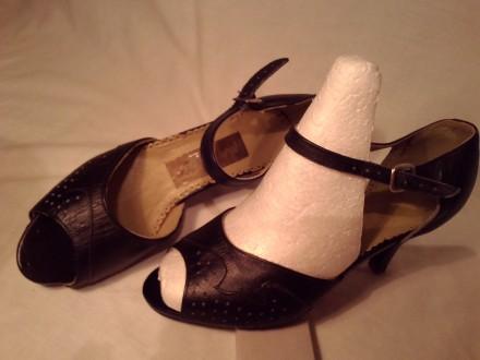Туфли кожа 100%'хорошее сос-ие.И много др.женской обувир 38-39 и оодеждыр.50-52-. Чернигов, Черниговская область. фото 12