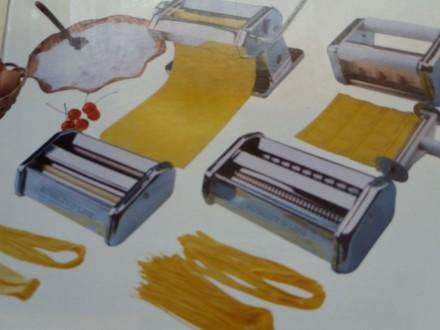 Машинка для изготовления равиоли лапши и спагетти.. Ужгород. фото 1