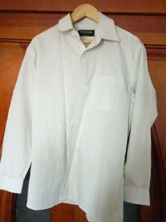 Рубашка белая в тонкую полосочку на мальчика. Киев. фото 1