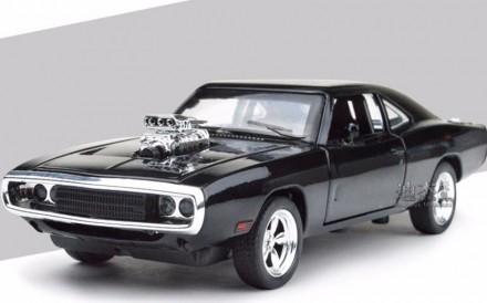 Dodge Charger. Коллекционная модель автомобиля. 1:32. Днепр. фото 1