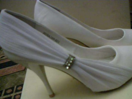 Туфли белые свадебные или на выпускной.36 размер. Днепр. фото 1