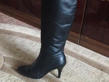 Чёрные кожаные демисезонные сапоги, были надеты один раз, не подошли по размеру.. Николаев, Николаевская область. фото 3
