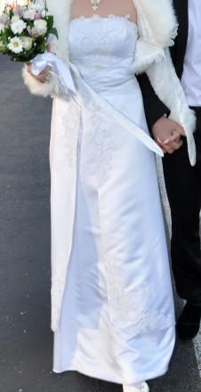 Атласное свадебное платье Щаслива ,невінчана весільна сукня. Ровно. фото 1