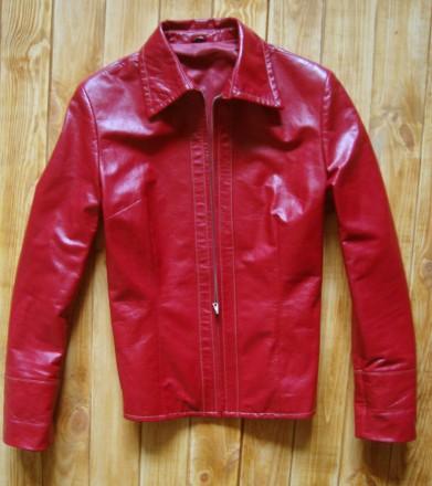 Жіноча шкіряна куртка Привезена з Німеччини Розмір 46-48 заміри  рукав 60 д. becc374b6d094