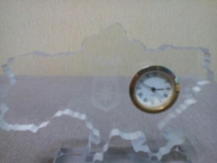 Сувенирные настольные часы. Материал оргстекло.. Мариуполь, Донецкая область. фото 3