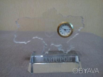 Сувенирные настольные часы. Материал оргстекло.. Мариуполь, Донецкая область. фото 1