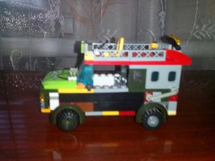 Лего.Внедорожник путешествиника.. Мариуполь. фото 1