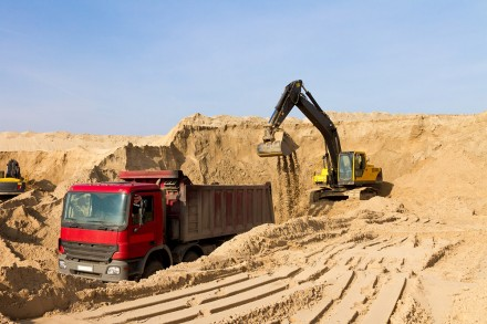 08cba44be Реализация песка навалом песок без глины, мытый , сеяный на стяжку, бетон,  по