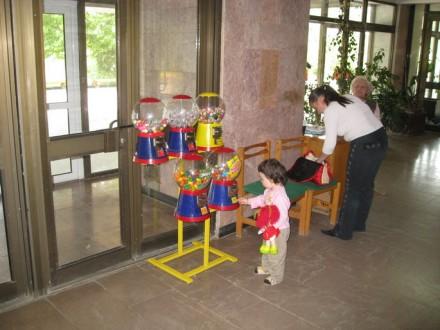 Механические и электронные торговые автоматы и наполнитель к ним.  Хотите зани. Ужгород, Закарпатская область. фото 8