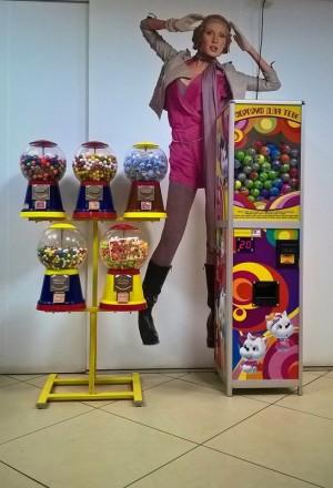 Механические и электронные торговые автоматы и наполнитель к ним.  Хотите зани. Ужгород, Закарпатская область. фото 5