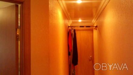 Квартира в хорошем состоянии,комнаты раздельные,санузел совмещен в кафеле. М/п о. Орджоникидзевский, Запорожье, Запорожская область. фото 1