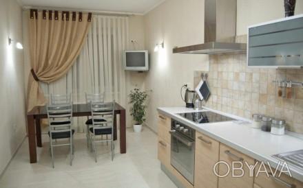 Продаётся 4х комнатная квартира в малоквартирном высотном доме по ул. Педагогиче. Приморський, Одеса, Одеська область. фото 1