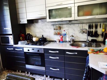 Продам дом с дизайнерским ремонтом, мебелью и техникой. Есть капитальный гараж и. Ірпінь, Київська область. фото 6