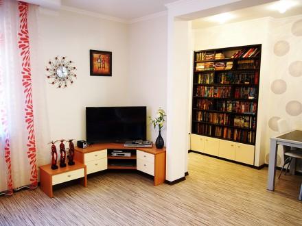 Продам дом с дизайнерским ремонтом, мебелью и техникой. Есть капитальный гараж и. Ірпінь, Київська область. фото 2