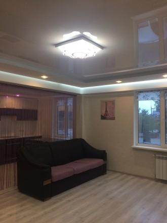 2к квартира класса -ЛЮКС, в новом доме, 80 кв.м, дизайнерский проект, отличный р. Жовтневий, Маріуполь, Донецька область. фото 8