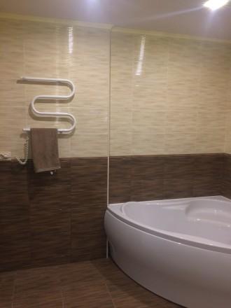 2к квартира класса -ЛЮКС, в новом доме, 80 кв.м, дизайнерский проект, отличный р. Жовтневий, Маріуполь, Донецька область. фото 7