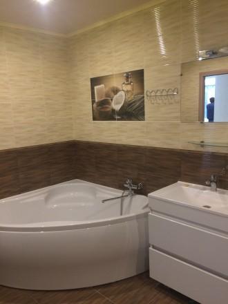 2к квартира класса -ЛЮКС, в новом доме, 80 кв.м, дизайнерский проект, отличный р. Жовтневий, Маріуполь, Донецька область. фото 6