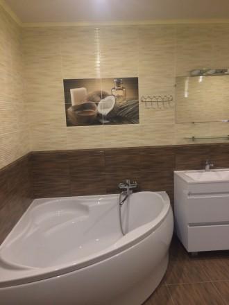 2к квартира класса -ЛЮКС, в новом доме, 80 кв.м, дизайнерский проект, отличный р. Жовтневий, Маріуполь, Донецька область. фото 3