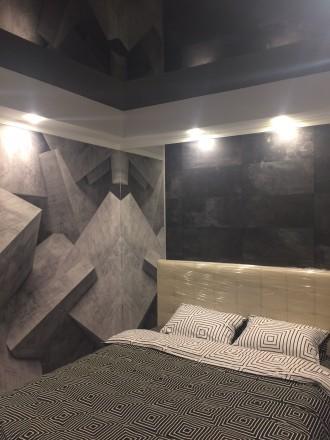 2к квартира класса -ЛЮКС, в новом доме, 80 кв.м, дизайнерский проект, отличный р. Жовтневий, Маріуполь, Донецька область. фото 2