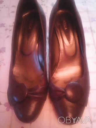 удобные кожаные женские туфли р,38, внутри 25 см, на небольшом устойчивом каблуч. Киев, Киевская область. фото 1