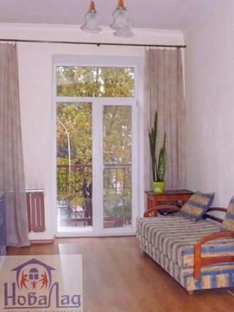 2 комнатная сталинка 69 м2 возле Площади. Квартира располагается на 2 этаже 3 эт. Украина, Чернигов, Черниговская область. фото 2