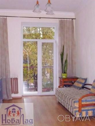 2 комнатная сталинка 69 м2 возле Площади. Квартира располагается на 2 этаже 3 эт. Украина, Чернигов, Черниговская область. фото 1