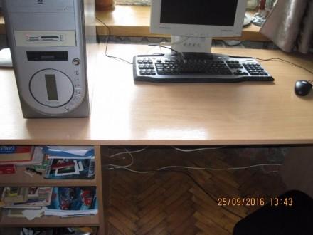 Стол новый большой, удобный для учебы или работы ( компьютер, принтер и т.д.), с. Одесса, Одесская область. фото 3