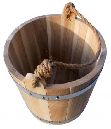 У каждой хозяйки есть ведро пластмассовое или железное, но деревянным ведром мож. Киев, Киевская область. фото 4