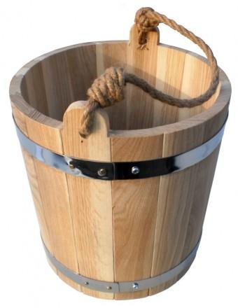 У каждой хозяйки есть ведро пластмассовое или железное, но деревянным ведром мож. Киев, Киевская область. фото 3
