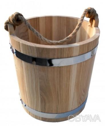 У каждой хозяйки есть ведро пластмассовое или железное, но деревянным ведром мож. Киев, Киевская область. фото 1