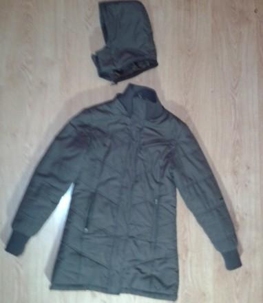 Пальто демисезонное утепленное с отстегивающимся капюшоном для девочки 9-10 лет. Киев. фото 1