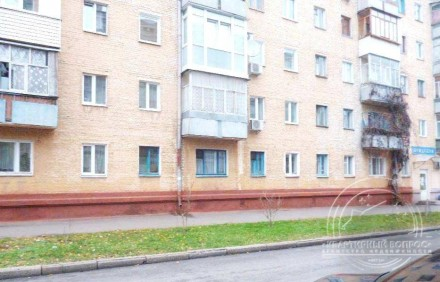 квартира под офис, или магазин общей площадью 42 м2 на первом этаже кирпичного д. Центр, Чернігів, Чернігівська область. фото 2