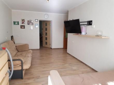 Квартира светлая, теплая.Центр города. Остается вся мебель, отличный вариант для. Центр, Іллічівськ, Одеська область. фото 2
