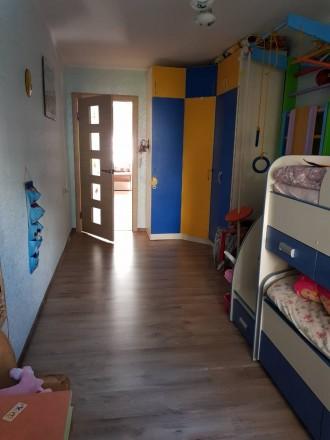 Квартира светлая, теплая.Центр города. Остается вся мебель, отличный вариант для. Центр, Іллічівськ, Одеська область. фото 3