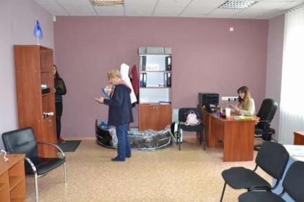 Сдам офисное помещения с благоустроенной охраняемой территорией на 1-вом. и 2-ро. Дзержинский, Харьков, Харьковская область. фото 5