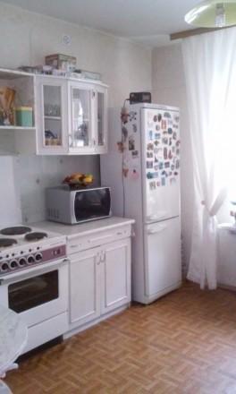 Общая площадь  46,4 м², комната  18,1 м², кухня 11,7 м², ванная комната  4,4 м²,. Киев, Киевская область. фото 2