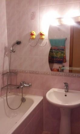 Общая площадь  46,4 м², комната  18,1 м², кухня 11,7 м², ванная комната  4,4 м²,. Киев, Киевская область. фото 4