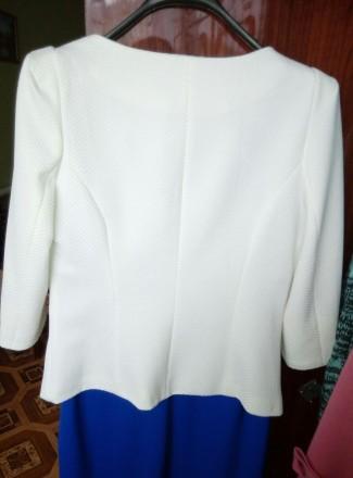 Белый нарядный очень красивый пиджак . Надет один раз на торжество . В идеальном. Беловодск, Луганская область. фото 3