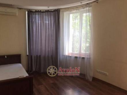 3 раздельные комнаты укомплектованные мебелью  кухня-столовая с мебелью и техни. Таірова, Одеса, Одеська область. фото 9