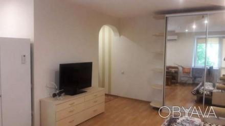 Продается 1-комнатная квартира студия по ул. Сегедской. В квартире остается все . Середній Фонтан, Одеса, Одеська область. фото 1