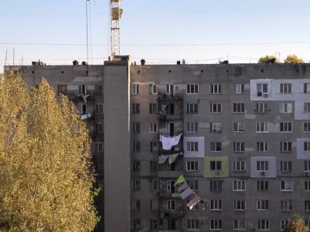 Квартира полностью отшпатлевана, в большой комнате панорамное застекление металл. Селище Котовського, Одеса, Одеська область. фото 3