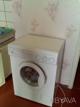 без хозяев комната в 2комнатной мебель интернет стиралка-автомат телевизор и др. Троещина, Киев, Киевская область. фото 1
