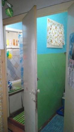 Продам 3-х комнатную квартиру в кирпичном доме,обычное жилое состояние,лоджия за. Остров, Херсон, Херсонская область. фото 4
