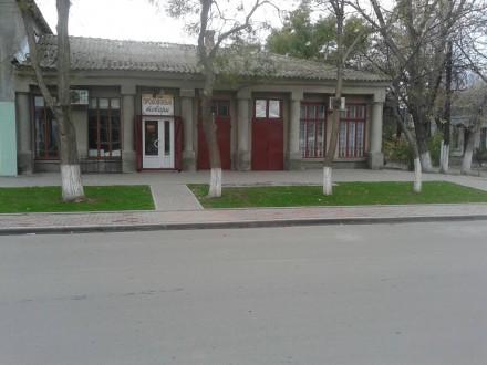Три действующих магазина в одном здании Три фасадных входа Два фасадных МПО  . Кілія, Кілія, Одеська область. фото 3