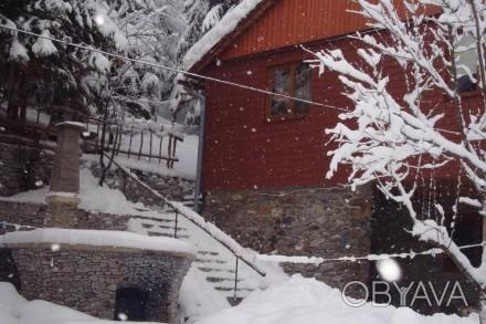 Здається будиночок з дерева,недалеко від санаторія Верховина і мінеральної води . Київ, Київська область. фото 1