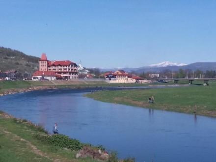 2-ком кв в центре на берегу реки или 1-ком-ая, Мукачево