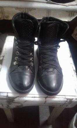 Модные ботинки (сникерсы). Черновцы. фото 1