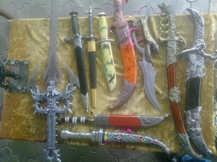 Коллекция 14 антикварных кинжалов (Хорошие копии из Китая). Херсон. фото 1