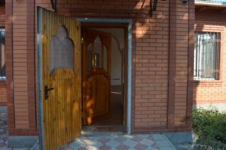 Дом из кирпича с отделкой. Каминный зал. Гараж на две машины (тип внедорожник).. Ізмаїл, Одеська область. фото 6