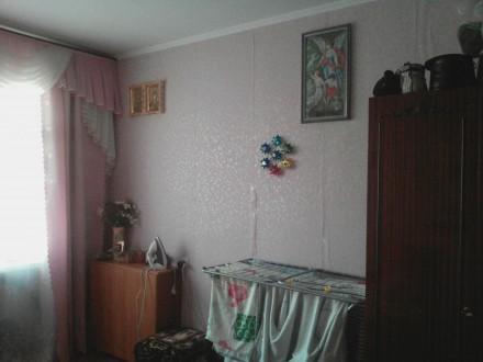 продам  мс по центру,2/5 кирпич,жилое состояние,не угловая,с\у\совмещен. Центр, Житомир, Житомирська область. фото 2